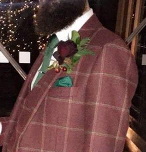 Button hole with pocket square