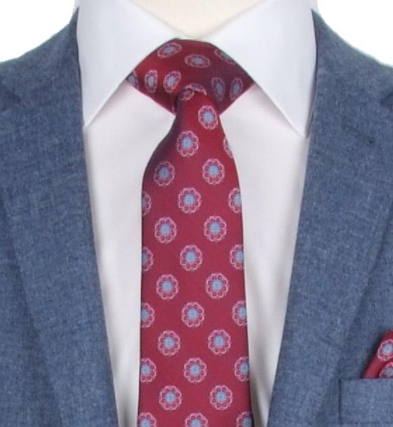 Full Windsor tie knot